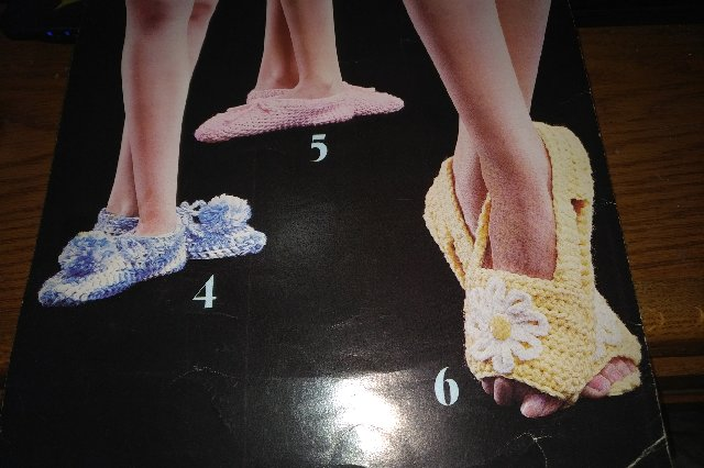 leisure arts leaflet 70 slipper images